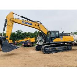 Máy đào XCMG gàu 2,4 m3 XE470C mới